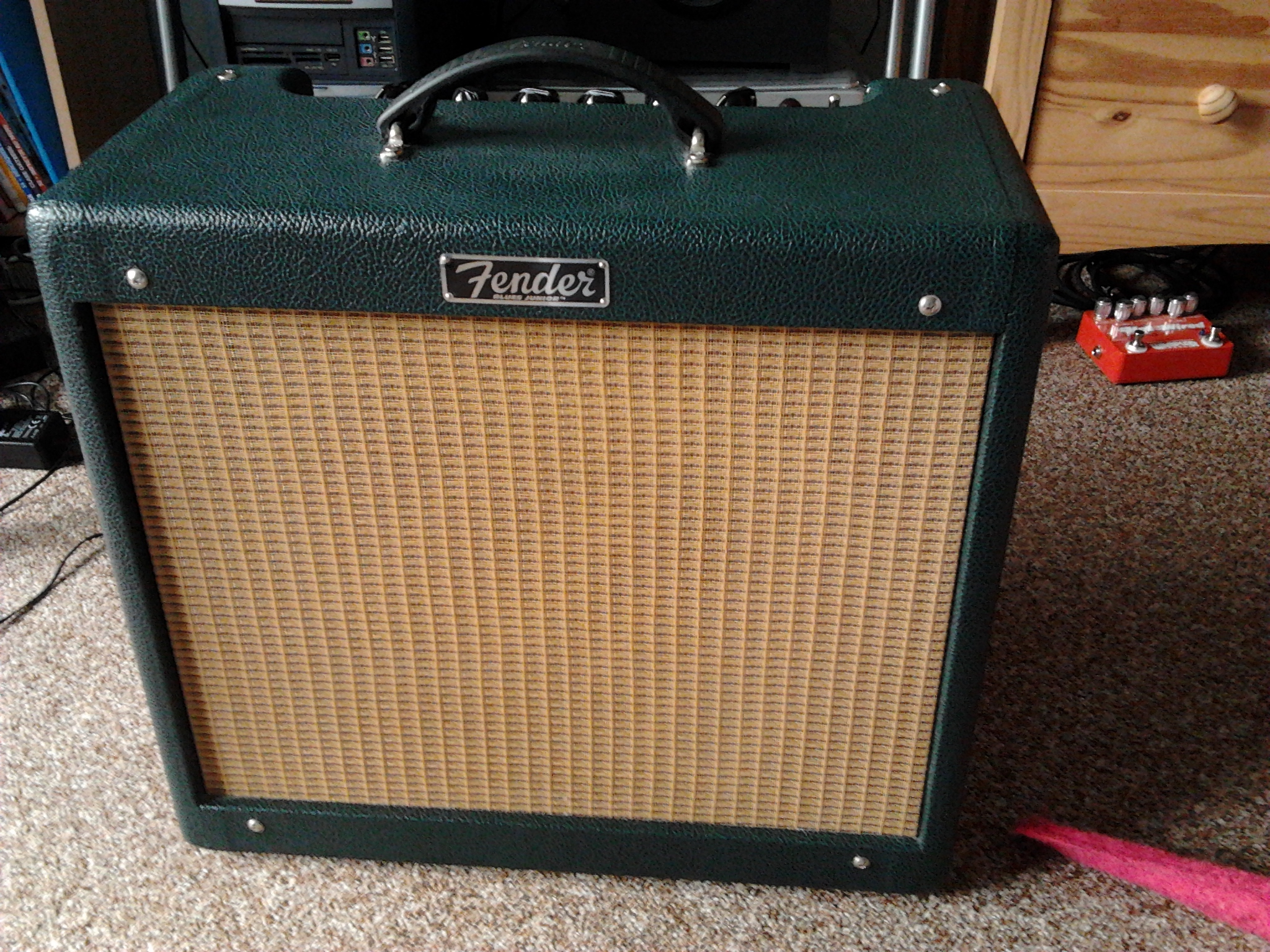 dating a blues junior amp